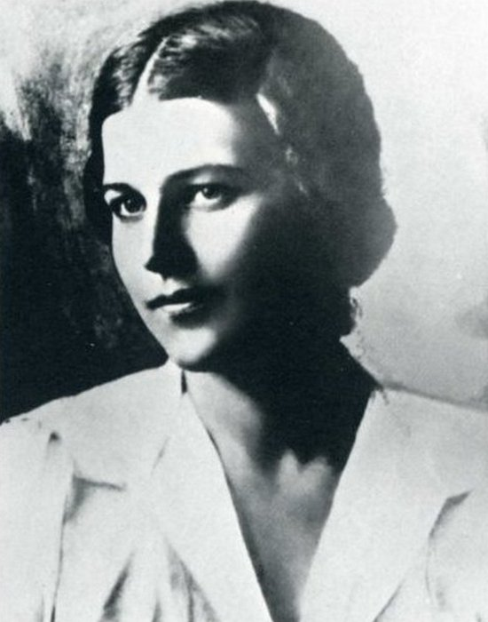 Лариса Рейснер - красавица, покорившая сердце Гумилёва./ Фото: moi-goda.ru
